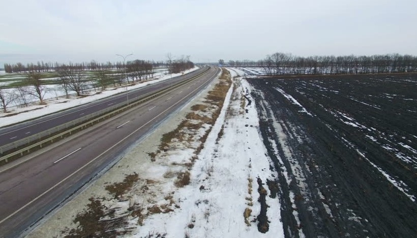 Snow by highway January 1 2018