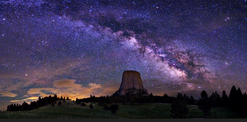 2018-11-25 Milky Wav Over Devils Tower
